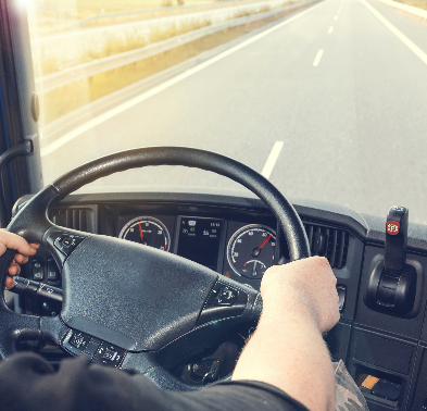TST/4ª Turma: Contrato de transporte autônomo de cargas entre motorista e empresa não configura vínculo de emprego