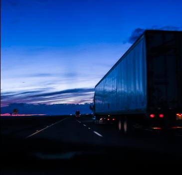 TST: Pernoitar em caminhão não caracteriza dano moral
