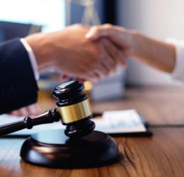 TRT-24: parcelamento de verbas rescisórias pactuado em negociação coletiva afasta aplicação de multa
